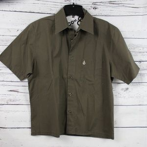 NWOT VOLCOM BOYS TAILORED SKATE SHIRT D13